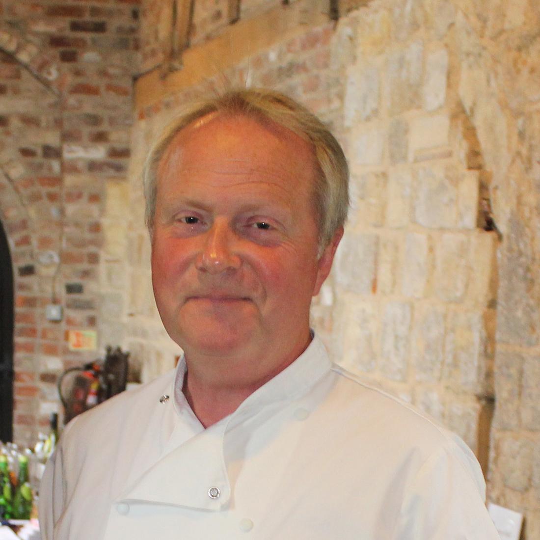 Roger Lee, Bedern Hall